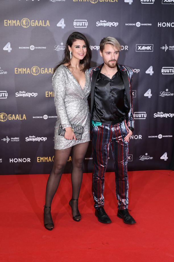 Maryam Razavi ja Leo Stillman edustivat yhdessä Emma-gaalassa vuonna 2019.
