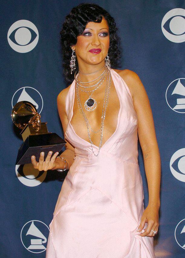 Christina Aguileran takavuosien Grammy-tyyli on liian paljastava.