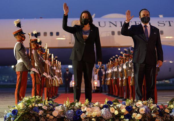 USA:n varapresidentti Kamala Harris saapui Guatemalaan maanantain vastaisena yönä paikallista aikaa. Vastaanottajana toimi Guatemalan ulkoministeri Pedro Brolo.