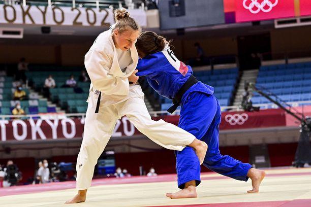 Martyna Tradjos koki tappion olympialaisten alkuerissä.