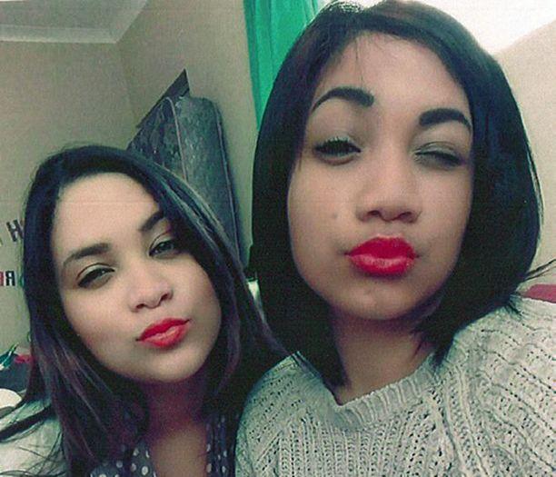 Tästä selfie-kuvasta lähti liikkeelle tapahtumien sarja, joka paljasti kaverusten olevan sisaruksia.