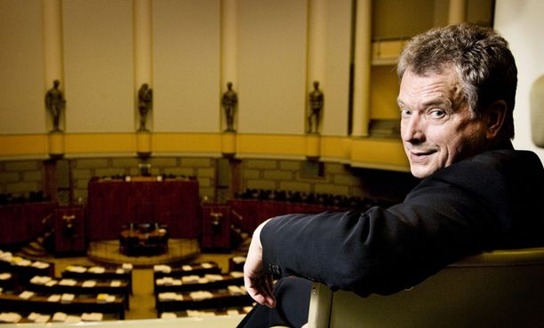Sauli Niinistö lahjoitti kansanedustajan palkkansa pois.