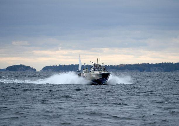 Ruotsalaiseen laivastotukikohtaan on tunkeuduttu. Kuvituskuva.
