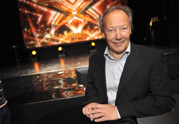 Gugi toimi myös Suomessa vain yhden kauden ajan esitetyn X Factorin yhtenä valmentajista.
