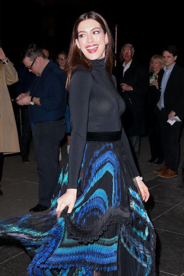 Anne Hathaway tähdittää nyt uutta Serenity-elokuvaa.