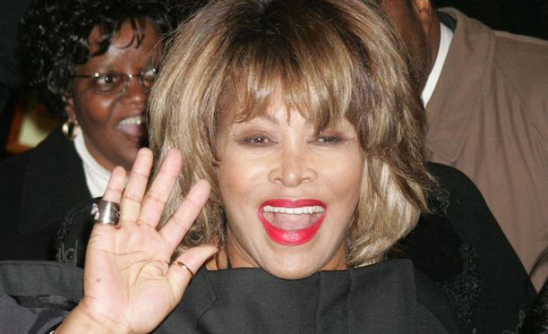 Tina Turner, 78, on palkittu urastaan lukuisilla palkinnoilla. Turner asuu puolisonsa kanssa Sveitsissä.