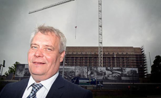 SDP:n puheenjohtaja Antti Rinne sanoo pääministeri Juha Sipilän (kesk) puheiden saaneen EK:n koventamaan työmarkkinanäkemyksiään.