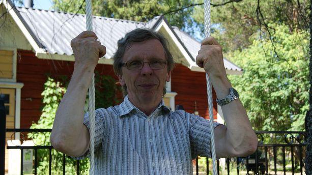 Asko Severinkangas ei vielä jouda eläkkeelle, sillä kyläaktiivilla riittää tekemistä.