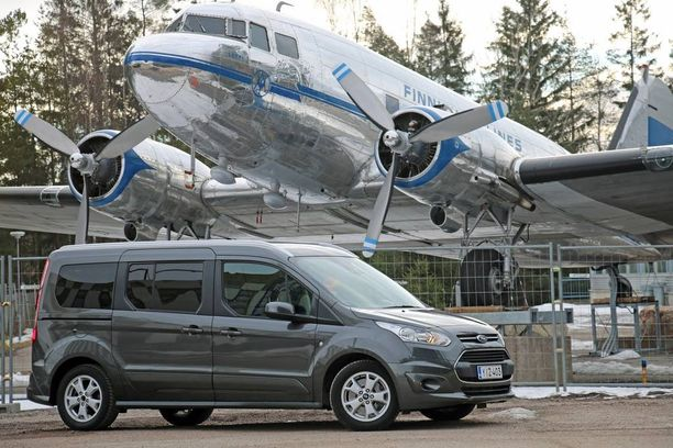 Ford Grand Tourneo Connect >> Ford Grand Connect Tourneo On Mukava Tilakaappi Seitsemalle