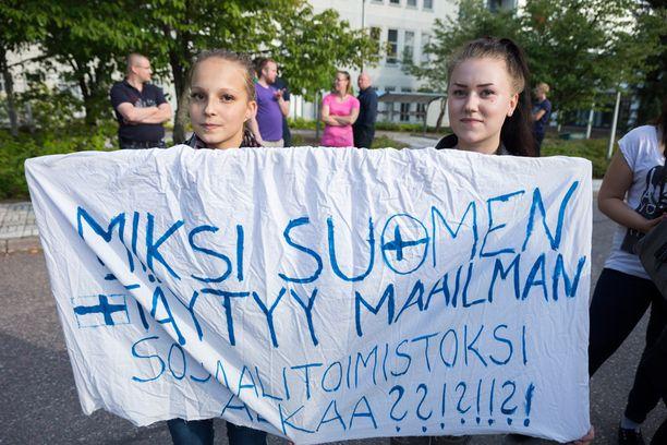 Vastaanottokeskusta vastustettiin Vihdin Nummelassa viikko sitten.