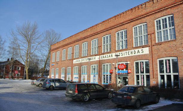 Toinen 10 hengen porukkapeli pelattiin Vaasassa Gerbyntien Siwassa, toinen netissä.