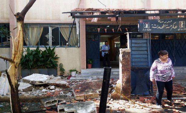 Akrama-nimisessä naapurustossa räjähtäneet pommit tuhosivat koulun ja tappoivat kymmeniä lapsia.