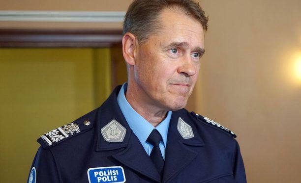 Poliisiylijohtaja Seppo Kolehmainen muistuttaa, että vastuu kansalaisten turvallisuudesta on ensisijaisesti poliisilla.