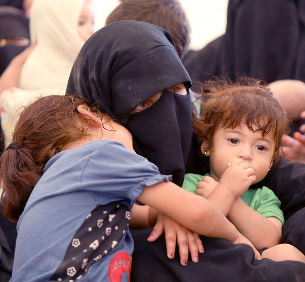 Kuva al-Holin leiriltä Syyriasta, jolla on myös suomalaisnaisia ja -lapsia.