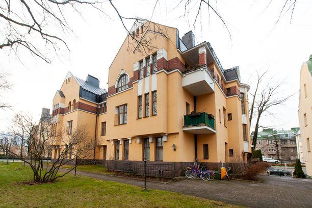 Eiran arvoasunto on valmistunut vuonna 1912. Rakennus on arkkitehti Vilho Penttilän suunnittelema.