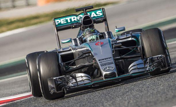 Nico Rosbergin mukaan perjantaipäivä oli hankala Mercedekselle.