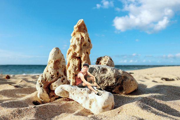 Rock Sand Beachin kivimuodostelma oli äärimmäisen suuri. Se tuntui jopa valheellisen suurelta.