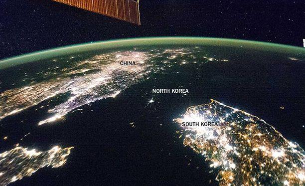 Musta alue Kiinan ja Etelä-Korean välillä on kuin meri. Se on kuitenkin Pohjois-Korea.