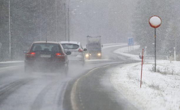 Itä-Suomessa sunnuntai lupaa lumisateita.