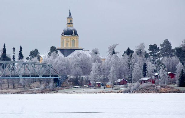 Alatornion kirkko on yksi Struven ketjun perintöluetteloon hyväksytyistä mittauspisteistä.