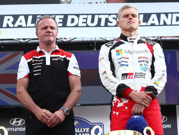 Tallipäällikkö Tommi Mäkisen ja maailmanmestari Ott Tänakin tiet erkanevat.