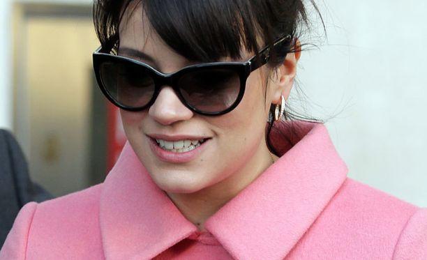 Laulaja Lily Allen on viime vuosina keskittynyt kotiäitiyteen.