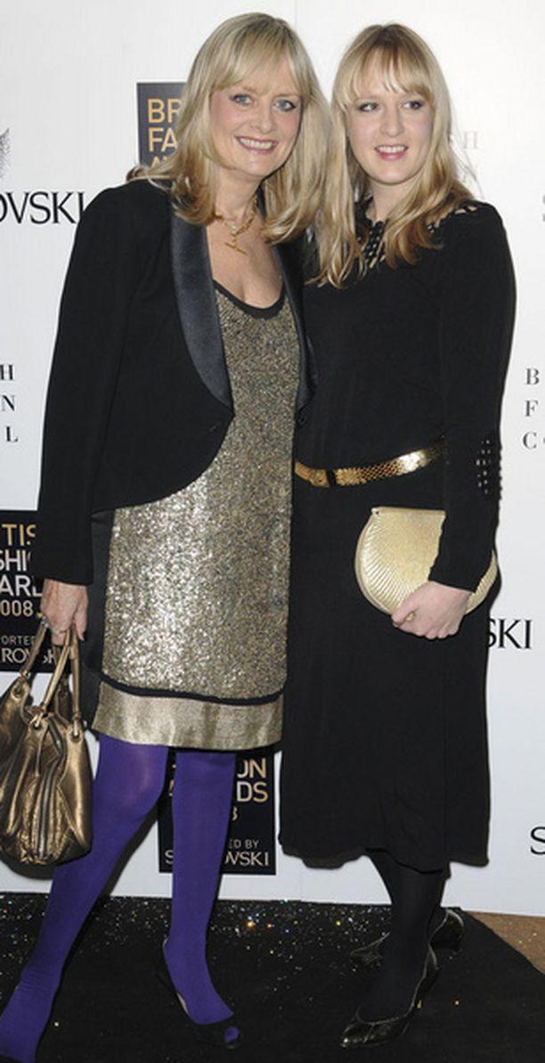 Twiggy tyttärensä kanssa British Fashion Awardsissa.
