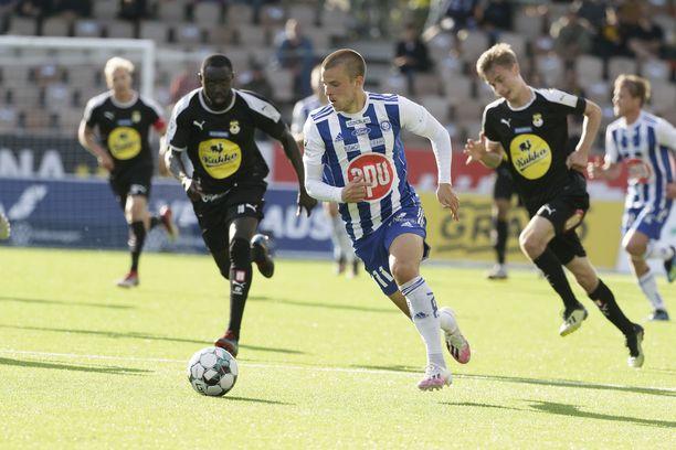 KuPS oli vielä tiukasti HJK:n kannoilla, mutta seuran mukaan kauden jatkamisessa olisi ollut suuria riskejä.