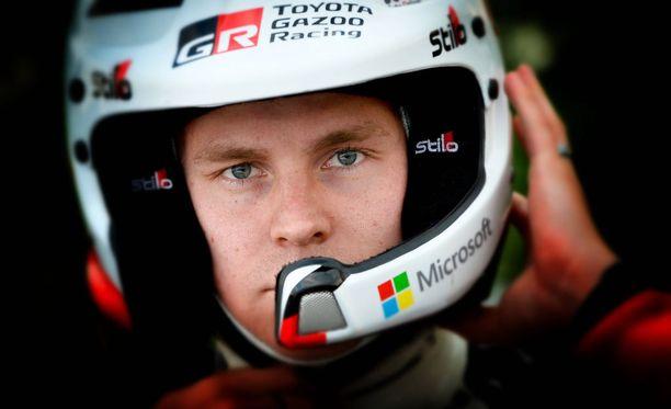 Esapekka Lappi menetti kärkipaikan kovalla rutiinilla ajavalle Jari-Matti Latvalalle.