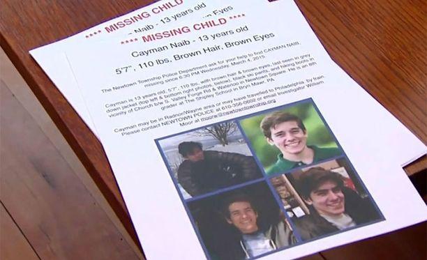 Caymania etsittiin useita päiviä, kunnes sunnuntaina pojan ruumis löytyi tämän kotitalon lähistöltä.