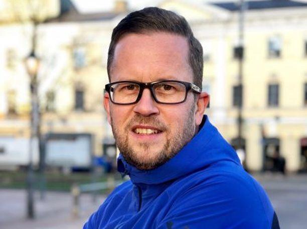 Kahdella eduskuntavaaliehdokkaalla on 14 lasta. Oulussa asuva Sami Pikkuaho (kok) on heistä toinen.