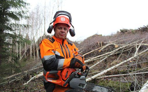 """Ammattimetsuri varoittaa omatoimisia puunkaatajia: """"Moottorisaha on tappava työkalu"""""""