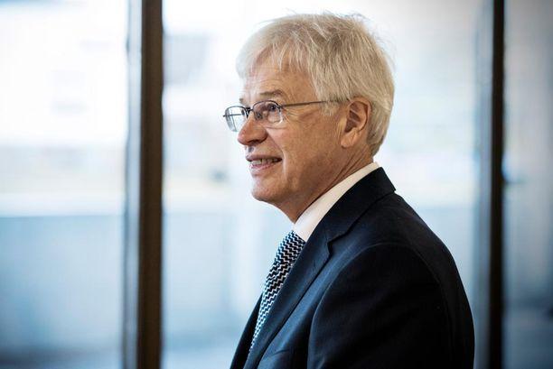 Holmström korosti, että Suomi tarvitsee vientiä, jotta hyvinvointi maassamme voi säilyä.