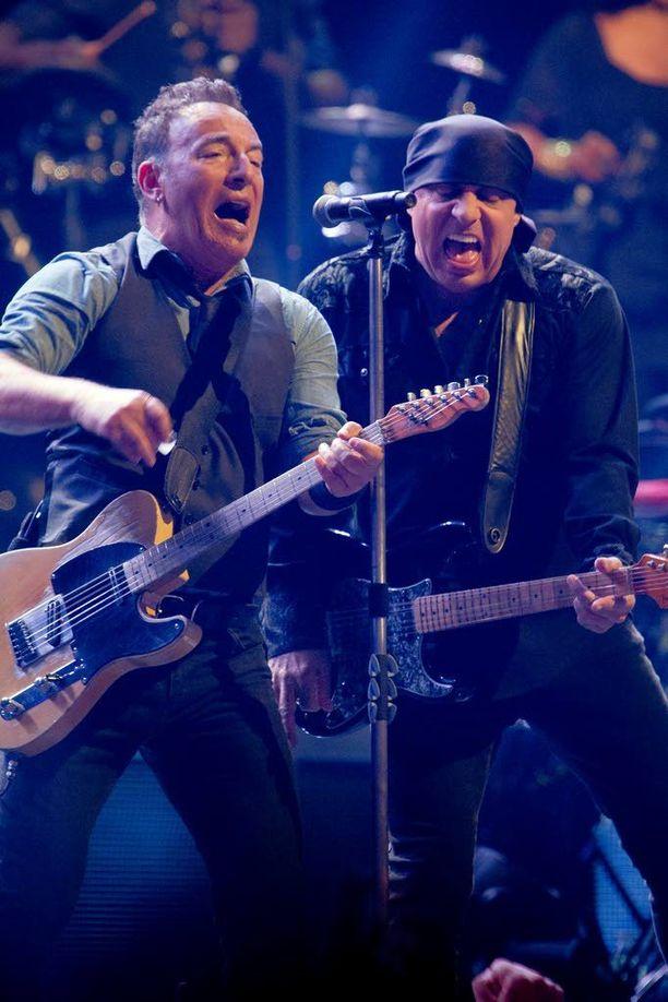 Springsteen on tuttu vieras Suomessa. Kuva vuoden 2013 Turun-keikalta.