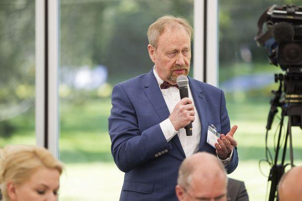 Professori Markku Kivinen sanoo, että USA:n Venäjän vastaisten sanktioiden purkaminen hyödyttäisi myös Suomea.