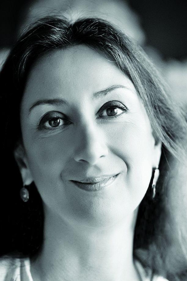 Daphne Caruana Galizia, 53, oli syyttänyt Maltan hallitusta korruptiosta. Hänen autonsa räjähti maanantaina, ja hän kuoli.