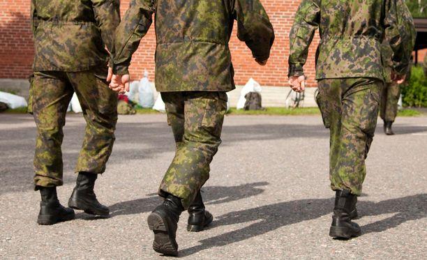 Päätös nopean valmiuden joukkojen perustamisesta tehtiin kevään kuluessa.