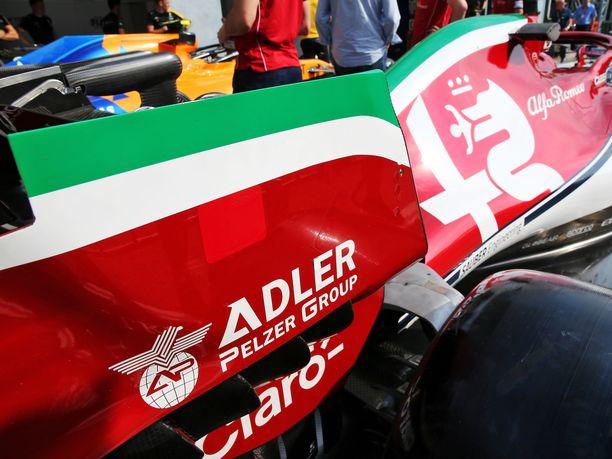 Alfa Romeon C38-autossa on viikonloppuna Monzassa Italian lipun värit, vaikka talli on virallisesti sveitsiläinen.