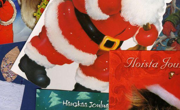 Hyvää joulua voi toivottaa kenelle tahansa uskontoon katsomatta, Kaarina Suonperä sanoo.