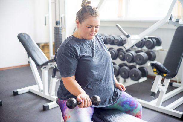 Ylipainoisen kannattaa aloittaa liikunta maltilla. Liian kova aloitus voi latistaa innon jo alkuunsa.