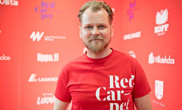 Antti Luusuaniemestä tulee elokuvassa lottovoittaja.