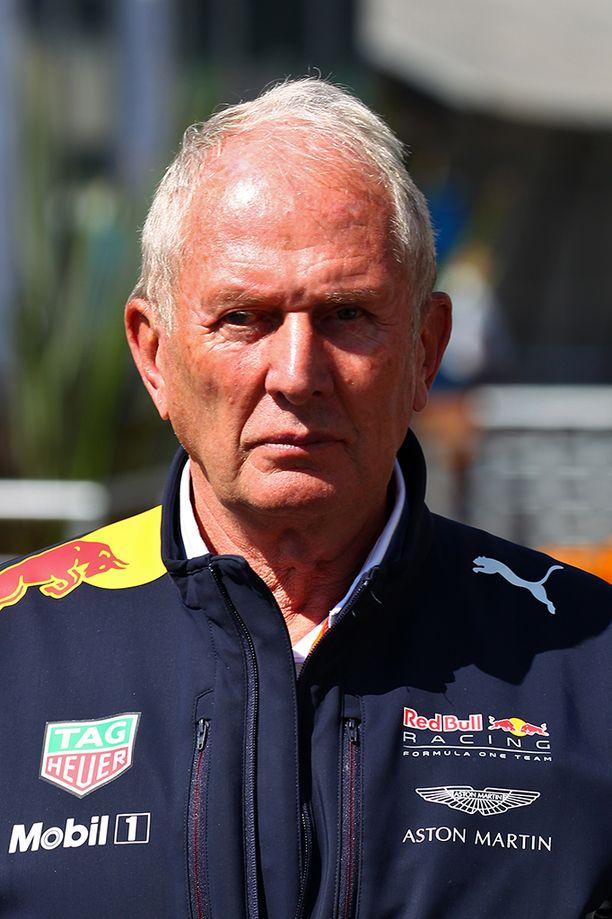 Helmut Marko puolusti Max Verstappenia.
