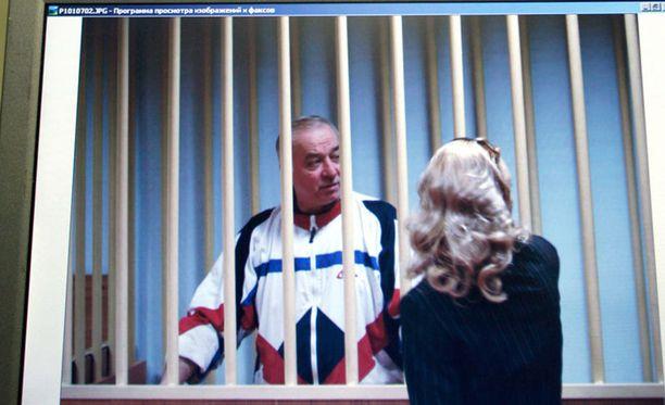 Vapautettu venäläisvakooja Sergei Skripal on kriittisessä tilassa altistuttuaan tuntemattomalle aineelle.