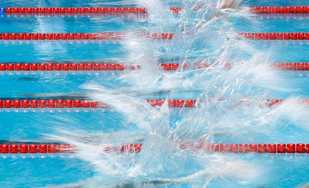 Uinnin konkarivalmentajan John Leonardin mukaan nykypäivänä paineet sortua kiellettyihin aineisiin ovat valtavat, koska uimarit tietävät kilpakumppanien käyttävän.