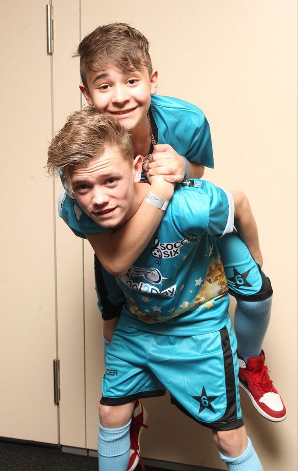 Charlie (alh.) oli 14-vuotias ja Leondre puolestaan 12-vuotias, kun parivaljakko osallistui Britannian Talent-ohjelmaan.