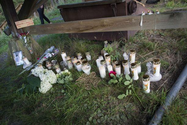 16-vuotias tyttö kuoli ja kaksi muuta loukkaantui turmassa.