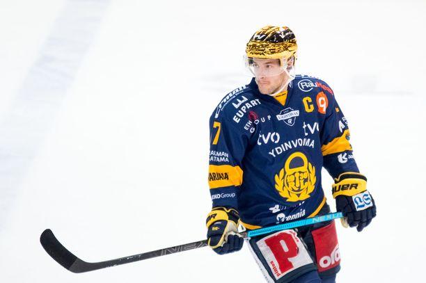 Justin Danforth on tuurannut Tapio Laaksoa Lukon kipparina.