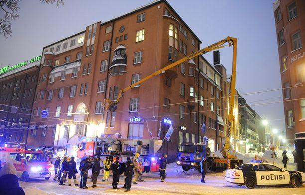 Onnettomuus tapahtui Yrjönkadun ja Simonkadun risteyksessä Helsingin ydinkeskustassa.
