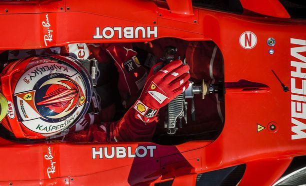 Kimi Räikkönen antoi myrskyvaroituksen testeissä.
