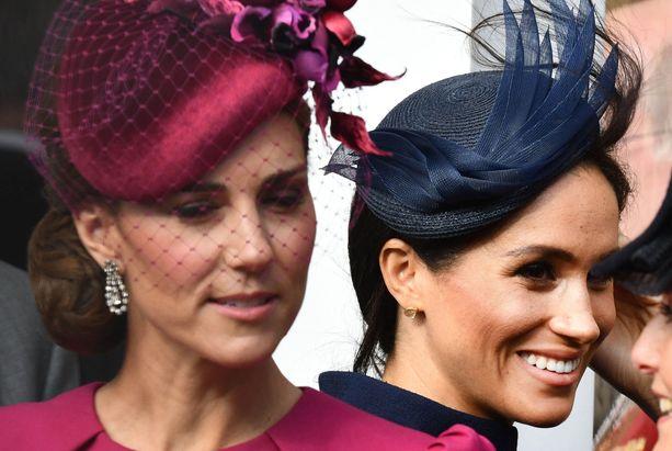Herttuatar Catherinen ja herttuatar Meghanin välien on kerrottu olevan tulehtuneet. Kensingtonin palatsin tiedottaja on kiistänyt brittilehdistön uutisoimat tapahtumat.
